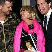 NLD/Amsterdam/20150128 - Boekpresentatie Willeke Alberti, Willeke en haar zonen Johnny de Mol en Kay Lerby