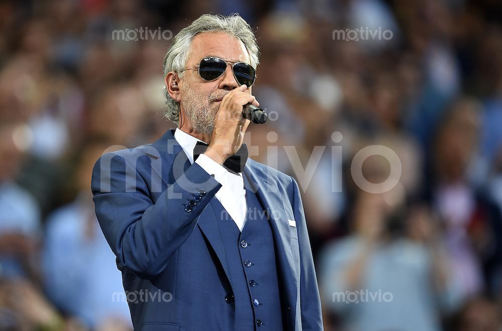 FUSSBALL  CHAMPIONS LEAGUE  FINALE  SAISON 2015/2016   Real Madrid - Atletico Madrid                   28.05.2016 Andrea Bocelli singt auf der Eröffnungszeremonie