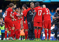 LONDON, ENGLAND - Saturday, October 31, 2015: Liverpool manager Jurgen Klopp celebrates the 3-1 victory over Chelsea with Mamadou Sakho after the Premier League match at Stamford Bridge. (Pic by Lexie Lin/Propaganda)