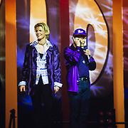 NLD/Utrecht/19971223 - Pittig Popconcert 1997 Utrecht, presentatoren Irene Moors en Carlo Boszhard