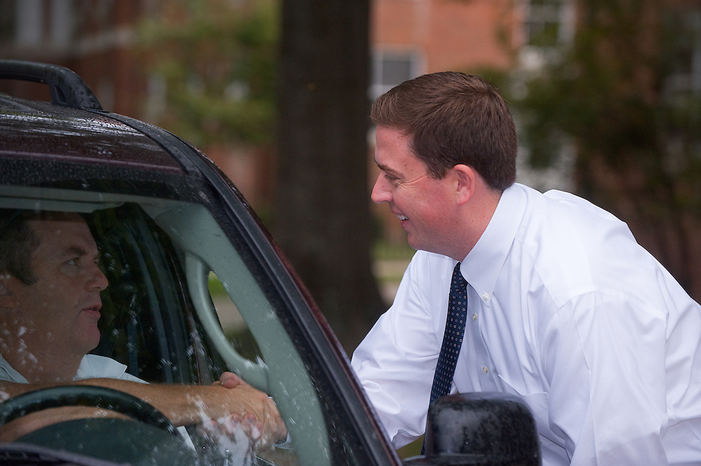 19026Student move in day ..Associate Vp For Student Affairs & Dean Of Students, Ryan Lombardi, greets students and parents