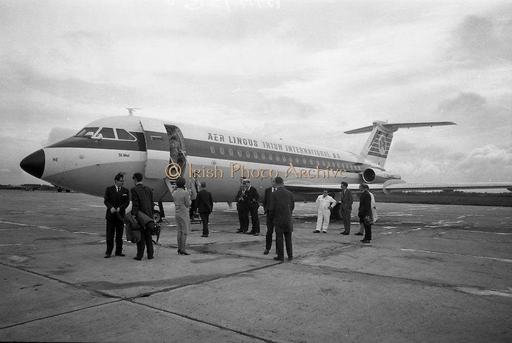 First Aer Lingus One-Eleven Flight at Dublin Airport.  The aircraft will touch down for the first time at Cork Airport..23.05.1965