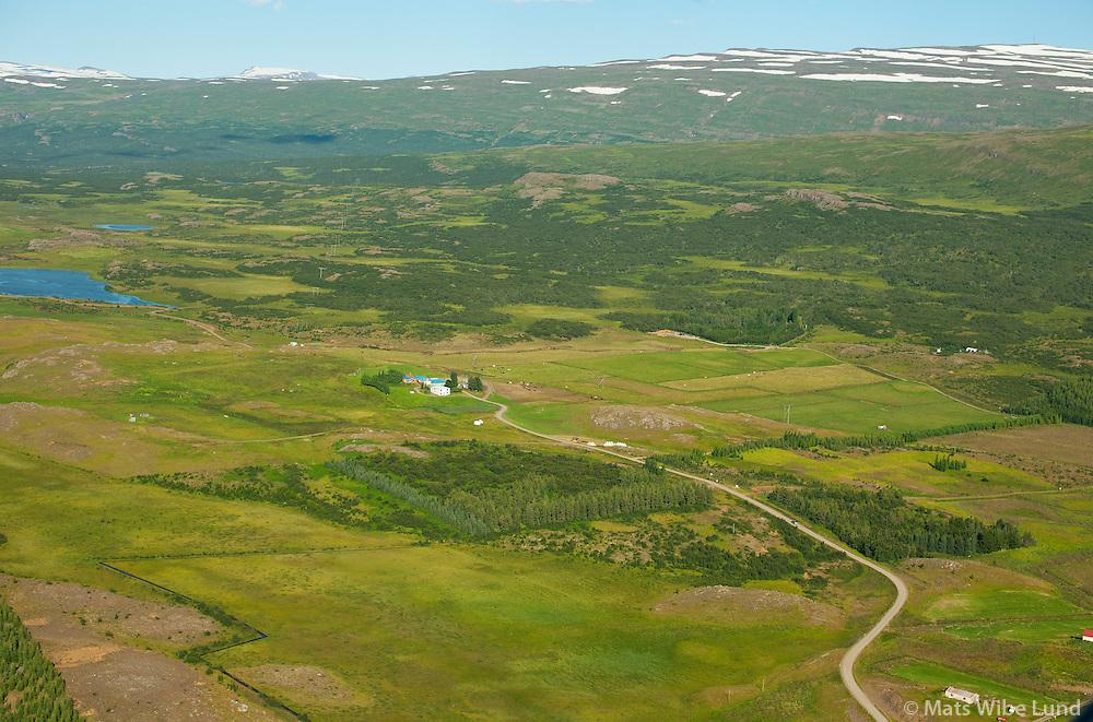 Útnyrðingsstaðir séð til norðausturs, Fljótsdalshérað áður Vallahreppur. /  Utnyrdingsstadir viewing northeast, Fljotsdalsherad former Vallahreppur.