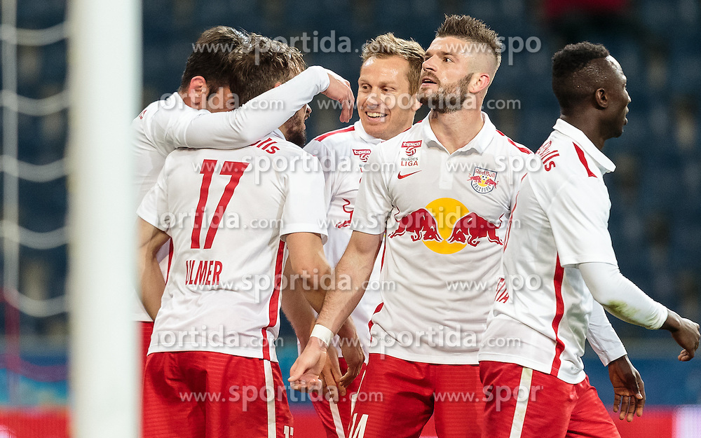 20.04.2016, Red Bull Arena, Salzburg, AUT, OeFB Samsung Cup, FC Red Bull Salzburg vs FK Austria Wien, Halbfinale, im Bild Torjubel Red Bulls nach dem 2:1 durch Andreas Ulmer (Red Bull Salzburg), Jonatan Soriano Casas (Red Bull Salzburg), Christian Schwegler (Red Bull Salzburg), Valon Berisha (Red Bull Salzburg), Naby Keita (Red Bull Salzburg) / during the OeFB Samsung Cup Semifinal Match between FC Red Bull Salzburg  and FK Austria Wien at the Red Bull Arena, Salzburg, Austria on 2016/04/20, EXPA Pictures © 2016, PhotoCredit: EXPA/ JFK