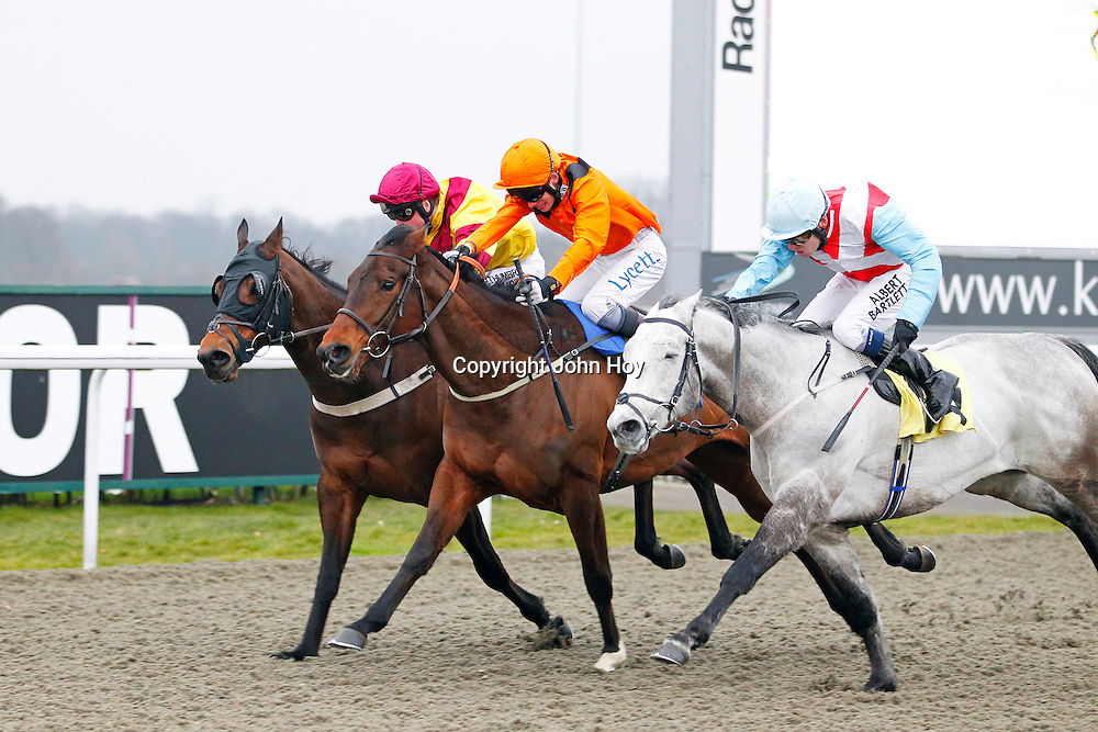 Exceedexpectations and William Twiston-Davies winning the 3.50 race