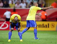 v.l. Ronaldo, Adriano Brasilien<br /> Fussball WM 2006 Viertelfinale Brasilien - Frankreich<br />  Brasil - Frankrike <br /> Norway only