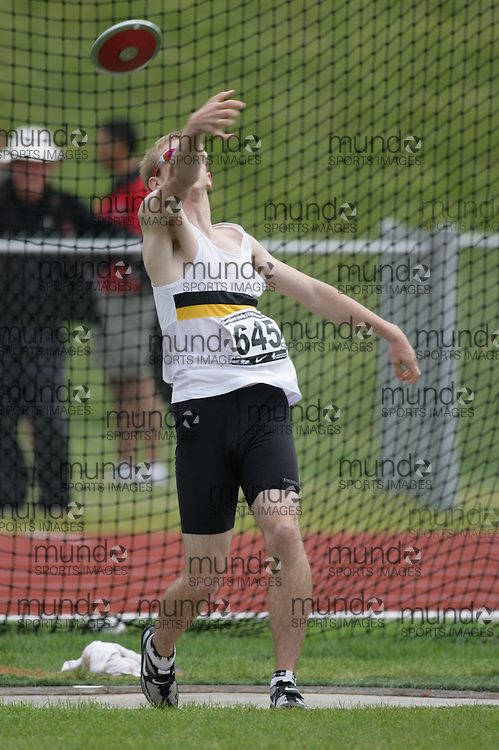(Charlottetown, Prince Edward Island -- 20090719) Rhys Lautenschlager of Winnipeg Optimist Athleti competes in the decathlon discus throw at the 2009 Canadian Junior Track & Field Championships at UPEI Alumni Canada Games Place on the campus of the University of Prince Edward Island, July 17-19, 2009.  Copyright Sean Burges / Mundo Sport Images , 2009...Mundo Sport Images has been contracted by Athletics Canada to provide images to the media.