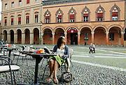 Bologna, breakfast in Piazza S. Stefano