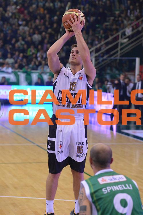 DESCRIZIONE : Avellino Lega A 2012-13 Sidigas Avellino Juve Caserta<br /> GIOCATORE : Mavraides Dan <br /> CATEGORIA : tiro<br /> SQUADRA : Juve Caserta<br /> EVENTO : Campionato Lega A 2012-2013 <br /> GARA : Sidigas Avellino Juve Caserta<br /> DATA : 30/12/2012<br /> SPORT : Pallacanestro <br /> AUTORE : Agenzia Ciamillo-Castoria/GiulioCiamillo<br /> Galleria : Lega Basket A 2012-2013  <br /> Fotonotizia : Avellino Lega A 2012-13 Sidigas Avellino Juve Caserta<br /> Predefinita :