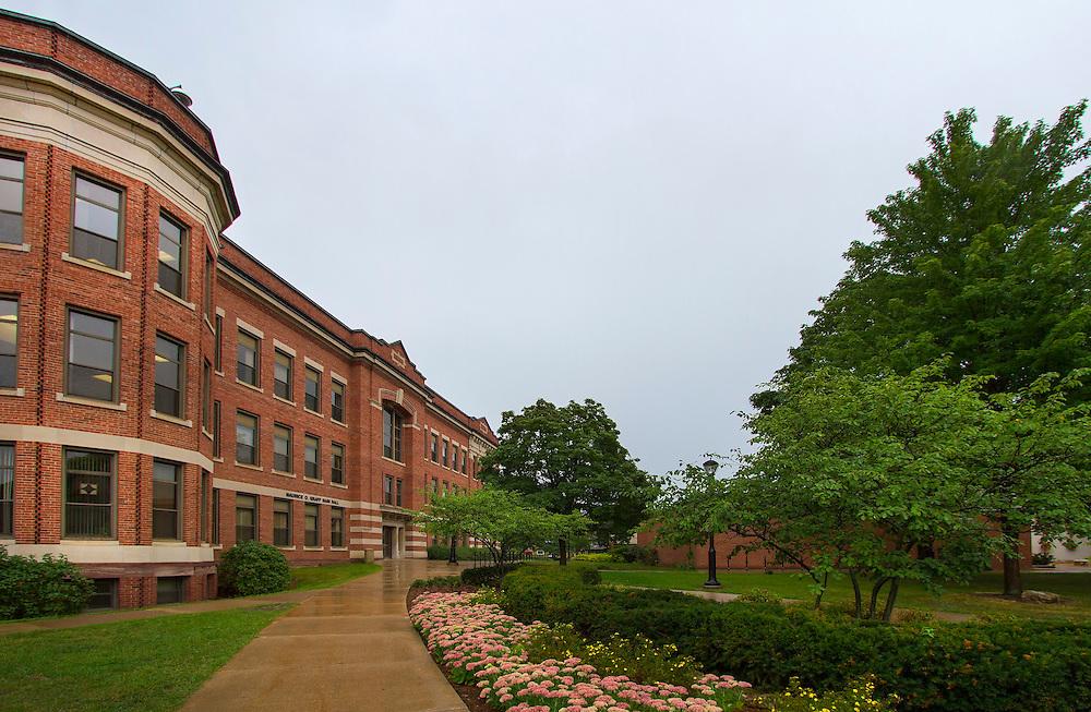 Graff Main Hall Summer 2013. Photo by Sue Lee, University Communications, 608.785.8497, slee@uwlax.edu.