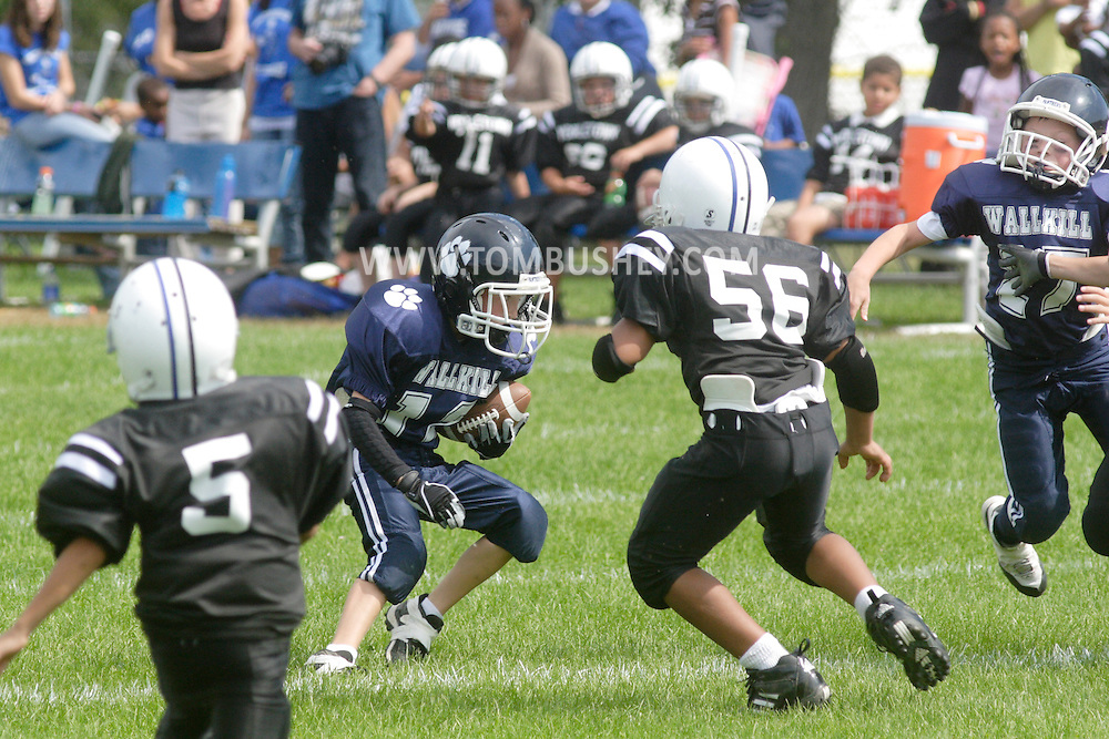 Middletown, NY - Middletown plays Wallkill in a Division 1 Orange County Youth Football League game at  on Sept. 14, 2008.