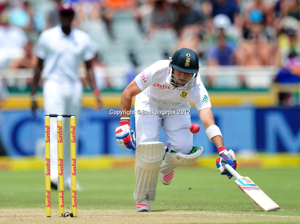 Dean Elgar of South Africa slides his bat in to make his ground during day 2 of the Sunfoil Test Series 2014/15 game between South Africa and the West Indies at Newlands Stadium, Cape Town on 3 January 2015 ©Ryan Wilkisky/BackpagePix