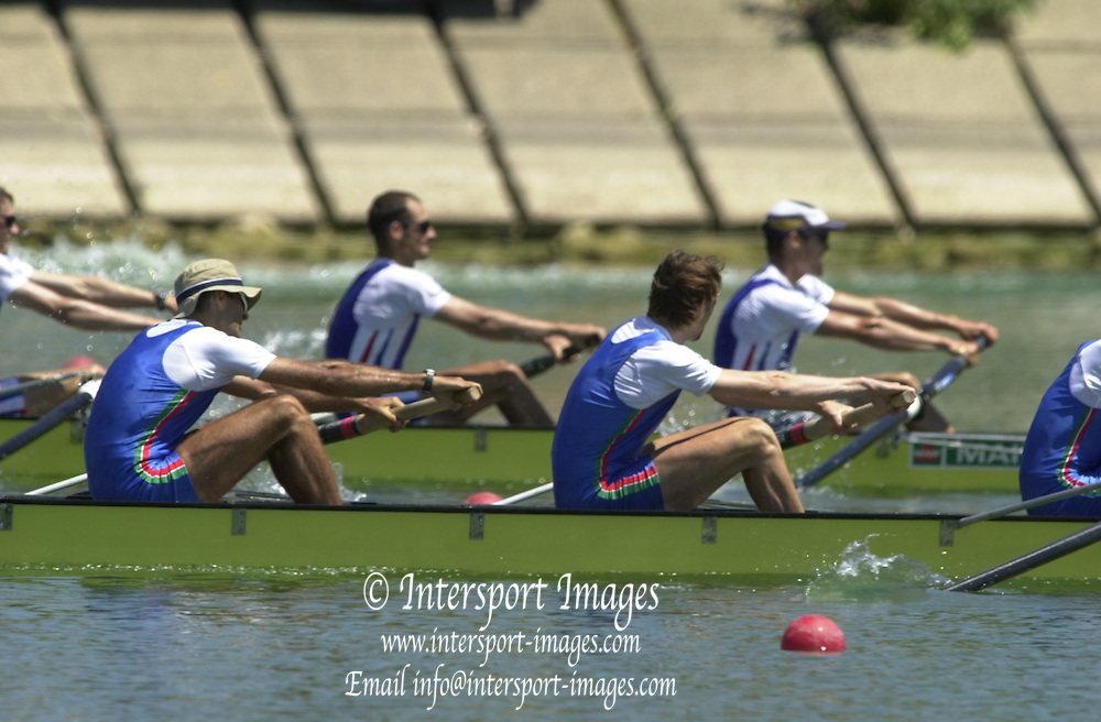 Peter Spurrier Sports  Photo.email pictures@rowingpics.com.Tel 44 (0) 7973 819 551.Tel/Fax 44 (0) 1784 440 772..LM4- Final Italy (Nearest) and France fighting it out for first place in the last 75 meters. 20010515 FISA World Cup, Seville, SPAIN