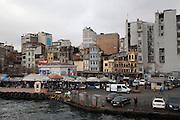 Estambul mercado de pescado de karakoy