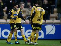 Fotball <br /> Tippeligaen<br /> Åråsen Stadion <br /> 28.03.2010<br /> Lillestrøm SK  v Hønefoss BK  6-0<br /> Foto: Dagfinn Limoseth, Digitalsport<br /> Tarik Elyounoussi , Lillestrøm  (L) gratuleres