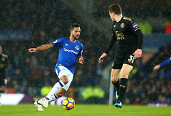 Theo Walcott of Everton takes on Ben Chilwell of Leicester City - Mandatory by-line: Robbie Stephenson/JMP - 31/01/2018 - FOOTBALL - Goodison Park - Liverpool, England - Everton v Leicester City - Premier League