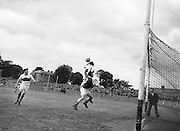 Neg No: .876/a19804-a1989..1955AIJFCF...1955.All Ireland Junior Football Championship - Home Final..Cork.03-10.Derry.01-07.. ..