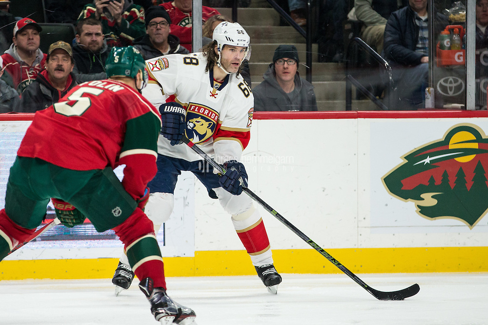 Dec 13, 2016; Saint Paul, MN, USA; Florida Panthers forward Jaromir Jagr (68) looks to pass during the second period against the Minnesota Wild at Xcel Energy Center. Mandatory Credit: Brace Hemmelgarn-USA TODAY Sports