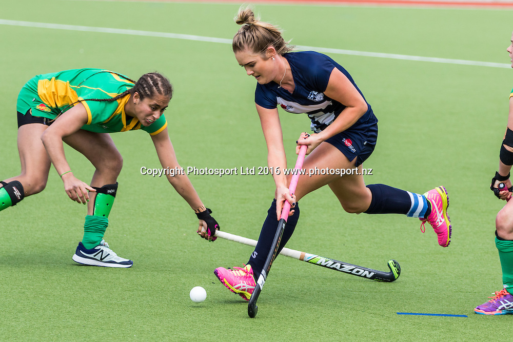 Auckland's Samantha Harrison in action. Auckland v Central Women, FORD National Hockey League, ITM Hockey Centre, Whangarei, New Zealand. Friday 16 September, 2016. Copyright photo: Heath Johnson / www.photosport.nz