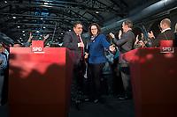 14 DEC 2013, BERLIN/GERMANY:<br /> Sigmar Gabriel (L), SPD Parteivorsitzender, und Andrea Nahles (R), SPD Generalsekretaerin, vor Beginn der Pressekonferenz anl. der Verkuendung des Ergebnisses der Auszaehlung des SPD Mitgliederentscheids zur Bildung einer grossen Koalition mit CDU und CSU, Station Berlin<br /> IMAGE: 20131214-01-002<br /> KEYWORDS: Verkündung, Auszählung