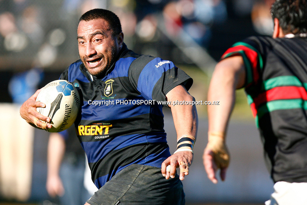 Ponsonby's Sam Fifita makes a run. Auckland Premier Club Rugby match, Semi Finals, Ponsonby v Waitemate at Western Springs Stadium, Auckland, New Zealand. Saturday 25 July 2009. Photo: Anthony Au-Yeung/PHOTOSPORT