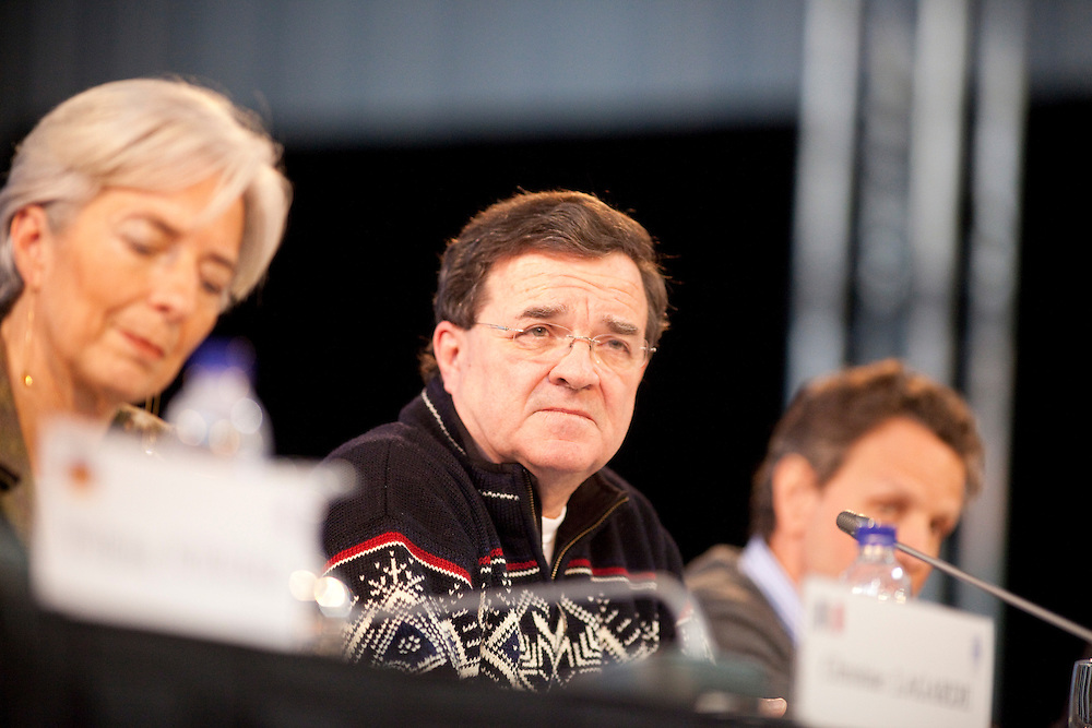 Canada's Minister of Finance, Jim Flaherty listens to a question at the final press conference for the G7 Finance Ministers Meeting in Iqaluit, Canada, February 6, 2010.<br /> AFP/GEOFF ROBINS/STR
