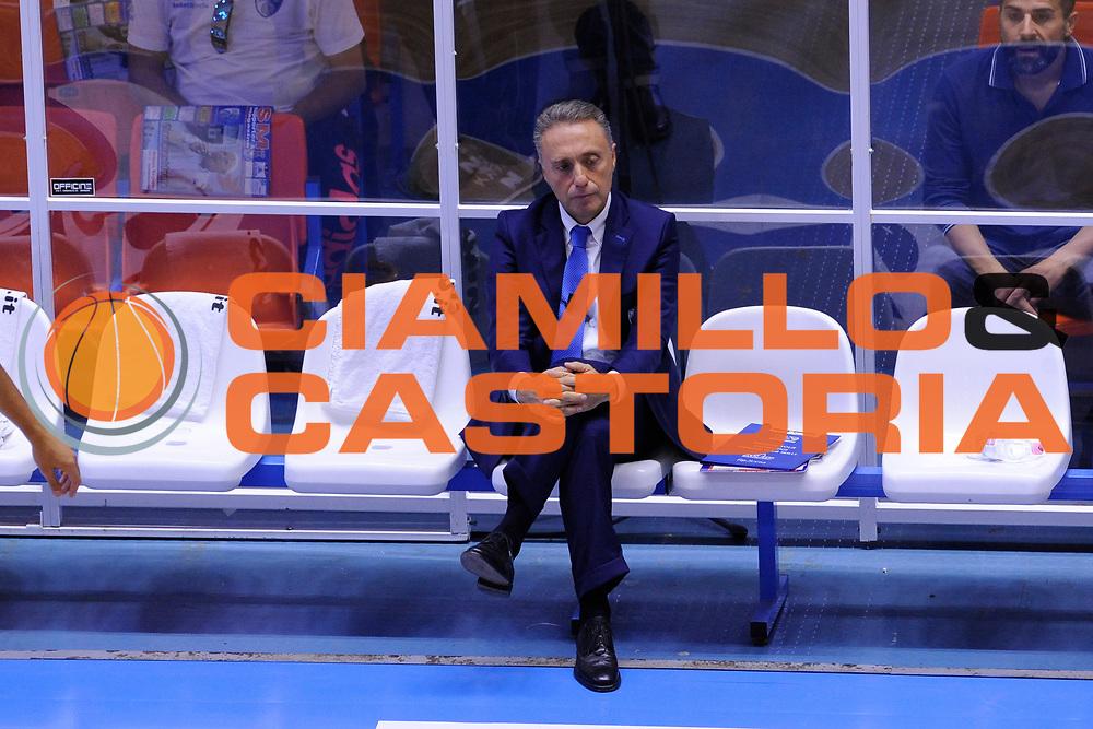 DESCRIZIONE : Brindisi  Lega A 2015-16<br /> Enel Brindisi Obiettivo Lavoro Virtus Bologna<br /> GIOCATORE : Piero Bucchi<br /> CATEGORIA : Allenatore Coach Before Pregame<br /> SQUADRA : Enel Brindisi<br /> EVENTO : Campionato Lega A 2015-2016<br /> GARA :Enel Brindisi Obiettivo Lavoro Virtus Bologna<br /> DATA : 11/10/2015<br /> SPORT : Pallacanestro<br /> AUTORE : Agenzia Ciamillo-Castoria/D.Matera<br /> Galleria : Lega Basket A 2014-2015<br /> Fotonotizia : Brindisi  Lega A 2015-16 Enel Brindisi Obiettivo Lavoro Virtus Bologna<br /> Predefinita :