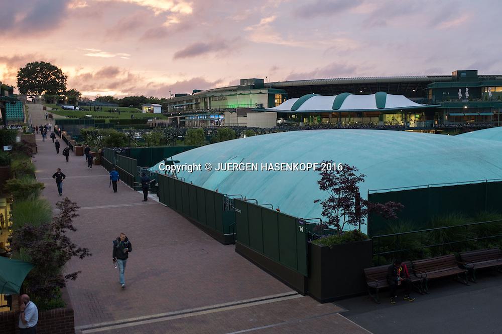 Wimbledon Feature,Uebersicht, abgedeckte Plaetze,<br /> <br /> Tennis - Wimbledon 2016 - Grand Slam ITF / ATP / WTA -  AELTC - London -  - Great Britain  - 29 June 2016.