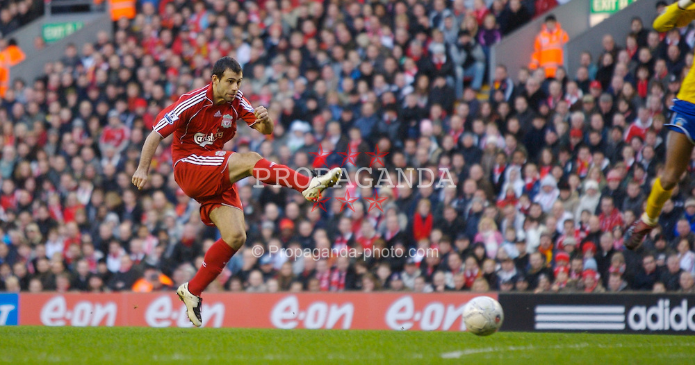 LIVERPOOL, ENGLAND - Saturday, January 26, 2008: Liverpool's Javier Mascherano in action against Havant and Waterlooville during the FA Cup 4th Round match at Anfield. (Photo by David Rawcliffe/Propaganda)