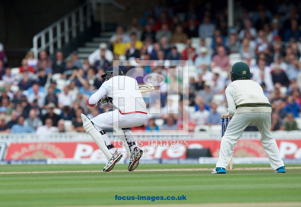 Steven Finn of England ducks to avoid the bouncer during the 5th Investec Ashes Test match at the Kia Oval, London<br /> Picture by Alan Stanford/Focus Images Ltd +44 7915 056117<br /> 23/08/2015