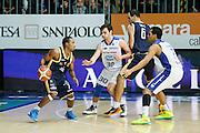 DESCRIZIONE : Cantu Lega A 2013-14 Acqua Vitasnella Cantu Sutor Montegranaro<br /> GIOCATORE : Josh Mayo Zeliko Sakic<br /> CATEGORIA : Palleggio Blocco Tecnica<br /> SQUADRA : Sutor Montegranaro<br /> EVENTO : Campionato Lega A 2013-2014<br /> GARA : Acqua Vitasnella Cantu Sutor Montegranaro<br /> DATA : 29/12/2013<br /> SPORT : Pallacanestro <br /> AUTORE : Agenzia Ciamillo-Castoria/G.Cottini<br /> Galleria : Lega Basket A 2013-2014  <br /> Fotonotizia : Cantu Lega A 2013-14 Acqua Vitasnella Cantu Sutor Montegranaro<br /> Predefinita :