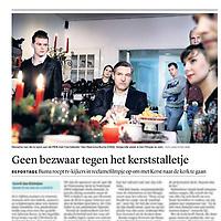 Tekst en beeld zijn auteursrechtelijk beschermd en het is dan ook verboden zonder toestemming van auteur, fotograaf en/of uitgever iets hiervan te publiceren <br /> <br /> Trouw 10 december 2013: Sybrand Buma nodigt uit tot kerstviering in de kerk