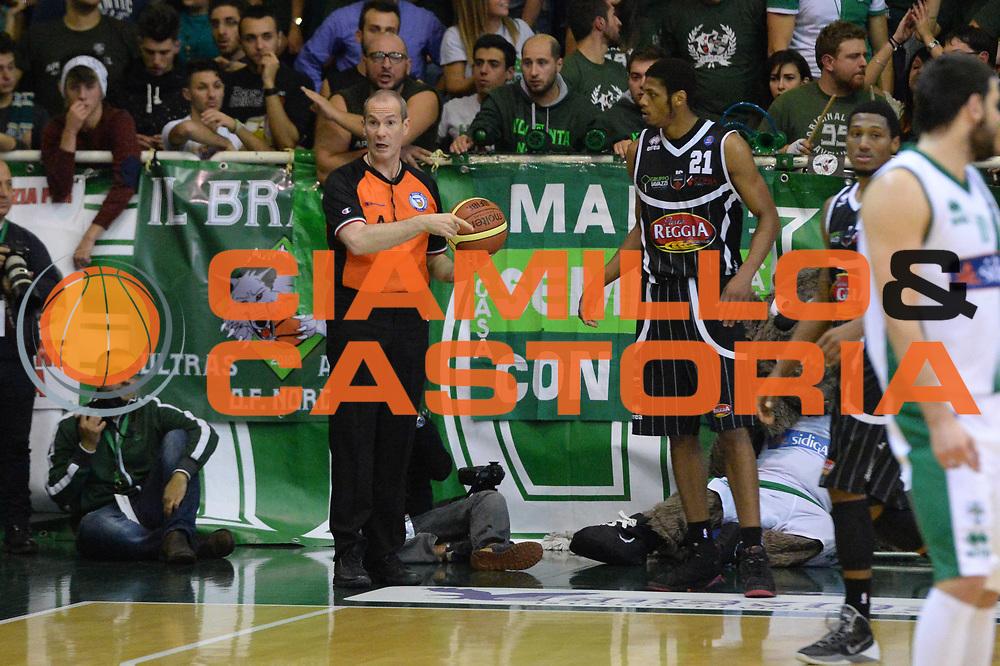 DESCRIZIONE : Avellino Lega A 2013-14 Sidigas Avellino-Pasta Reggia Caserta<br /> GIOCATORE : Arbitro<br /> CATEGORIA : controcampo<br /> SQUADRA : <br /> EVENTO : Campionato Lega A 2013-2014<br /> GARA : Sidigas Avellino-Pasta Reggia Caserta<br /> DATA : 16/11/2013<br /> SPORT : Pallacanestro <br /> AUTORE : Agenzia Ciamillo-Castoria/GiulioCiamillo<br /> Galleria : Lega Basket A 2013-2014  <br /> Fotonotizia : Avellino Lega A 2013-14 Sidigas Avellino-Pasta Reggia Caserta<br /> Predefinita :