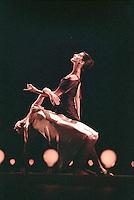 Monica Zamora and Oxana Pavlenko in Cathy Marston's Non Exeunt. George Piper Dances
