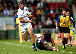 Matt Banahan of Bath Rugby goes past Logovi'i Mulipola of Leicester Tigers - Mandatory by-line: Robbie Stephenson/JMP - 03/09/2017 - RUGBY - Welford Road - Leicester, England - Leicester Tigers v Bath Rugby - Aviva Premiership