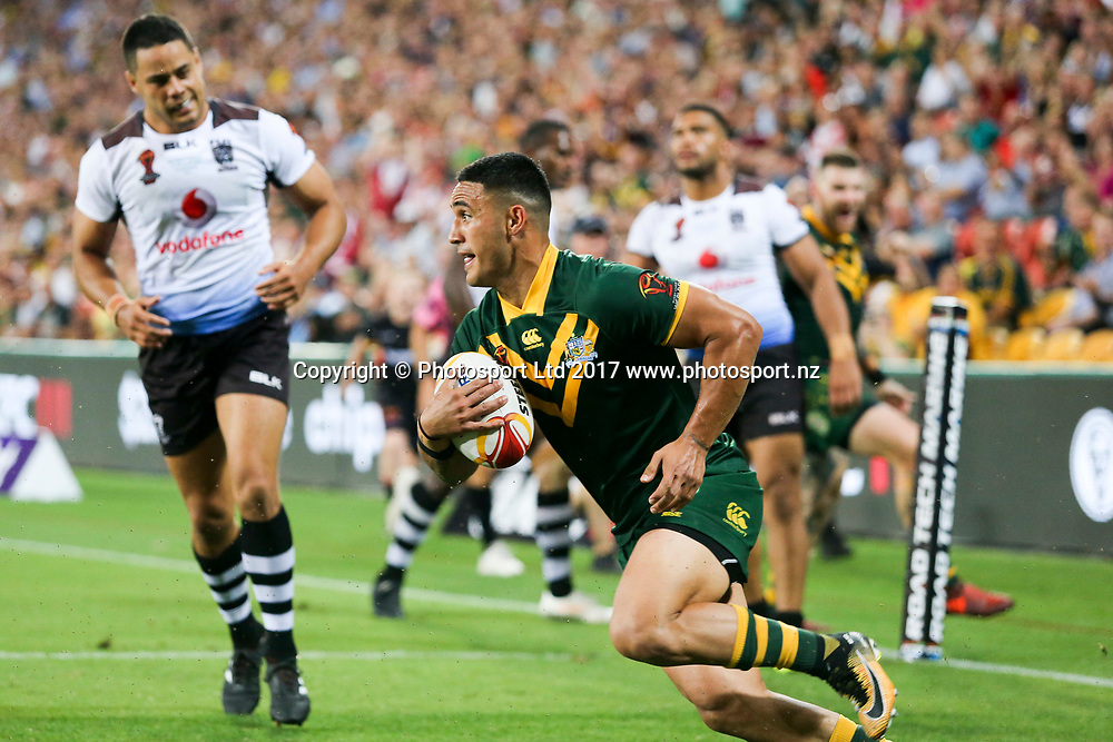 Valentine Holmes runs in yet another try. Australia v Fiji, RLWC Semi Final, Suncorp Stadium, Brisbane, Australia, 24 November 2017. Copyright Image: David Neilson / www.photosport.nz