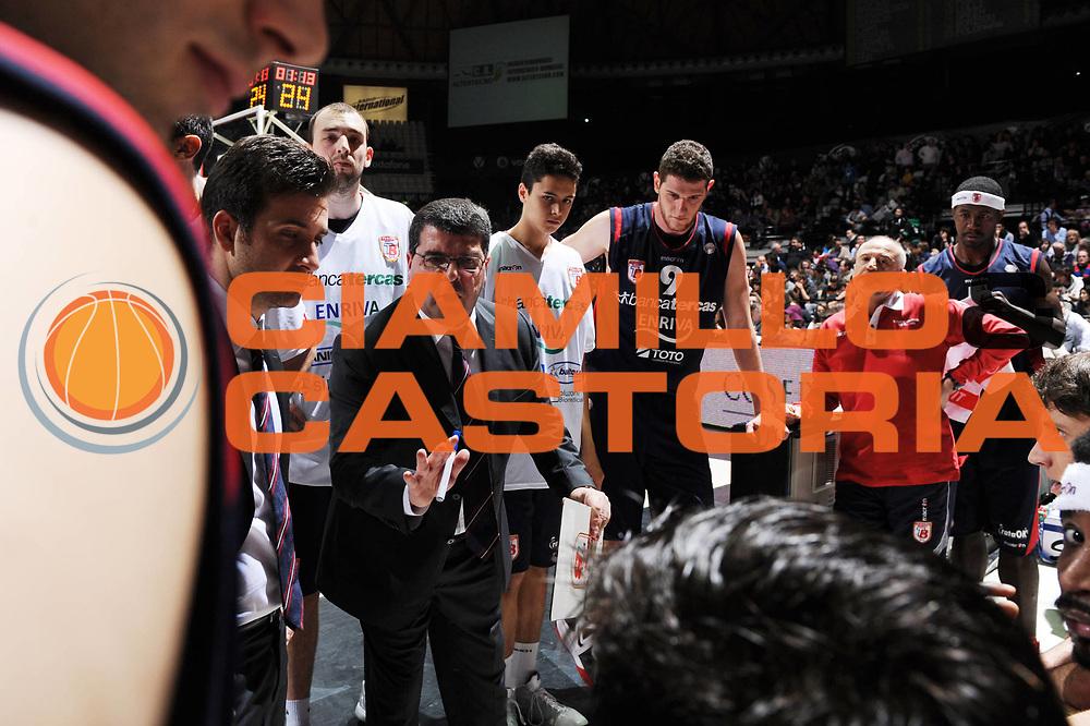 DESCRIZIONE : Bologna Lega A 2011-12 Canadian Solar Virtus Bologna Banca Tercas Teramo<br /> GIOCATORE : Alessandro Ramagli<br /> CATEGORIA : timeout<br /> SQUADRA : Banca Tercas Teramo<br /> EVENTO : Campionato Lega A 2011-2012<br /> GARA : Canadian Solar Virtus Bologna Banca Tercas Teramo<br /> DATA : 26/02/2012<br /> SPORT : Pallacanestro <br /> AUTORE : Agenzia Ciamillo-Castoria/M.Marchi<br /> Galleria : Lega Basket A 2011-2012 <br /> Fotonotizia : Bologna Lega A 2011-12 Canadian Solar Virtus Bologna Banca Tercas Teramo <br /> Predefinita :