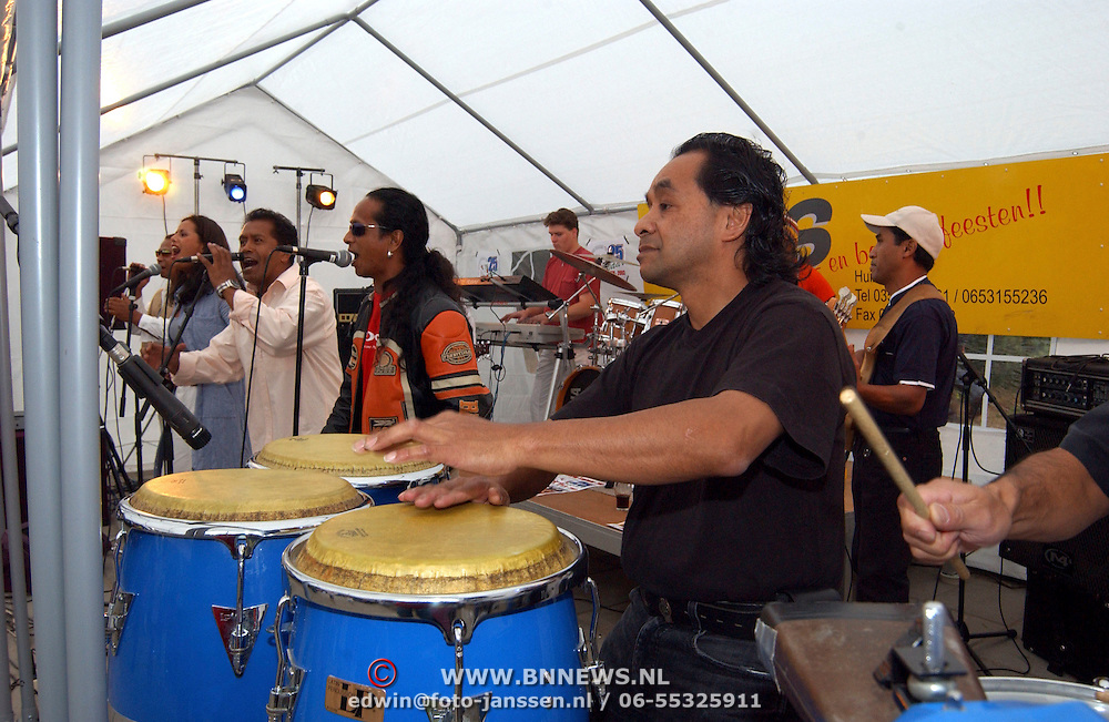 AH '78 bestaat 25 jaar, AH Band - ft. Farah van Bommel