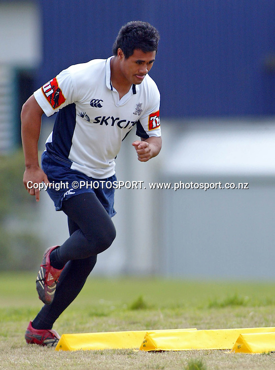 Isaia Toeava in action during the Auckland training session held at Unitech, Auckland on Thursday 21 September 2006. Photo: Renee McKay/PHOTOSPORT<br />