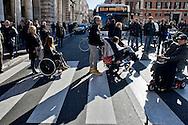Roma  17 Dicembre  2013<br /> Staminali, la protesta dei malati.<br />  Il movimento di sostegno al trattamento con cellule staminali pro-Stamina manifesta  nel centro di Roma. Gli attivisti della associazione 'Civico 117A' hanno occupato Via del Corso, vicino al Palazzo Chigi, bloccando il traffico.<br /> Roma, Italy. 17th December 2013 -- The pro-Stamina stem cell treatment support movement demonstrates in the center of Rome. Activists of the 'Civic 117A' association have invaded Via del Corso, near the Chigi Palace, blocking traffic.