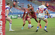 Danny Brough of Huddersfield Giants chips through near the Wakefield line during the Betfred Super League match at the John Smiths Stadium, Huddersfield<br /> Picture by Richard Land/Focus Images Ltd +44 7713 507003<br /> 27/07/2018