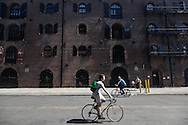 New York. Red Hook . Brooklyn, the old docks are becoming a trendy area,  New York  United states /  le quartier de Red Hook . Brooklyn , les anciens docks au bord de la mer se transforment en quartier a la mode. , New York Etats unis