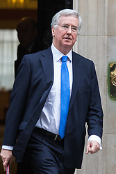 Downing Street, London, January 26th 2016. Defence Secretary Michael Fallon leaves 10 Downing Street following the weekly Cabinet meeting. ///FOR LICENCING CONTACT: paul@pauldaveycreative.co.uk TEL:+44 (0) 7966 016 296 or +44 (0) 20 8969 6875. ©2015 Paul R Davey. All rights reserved.