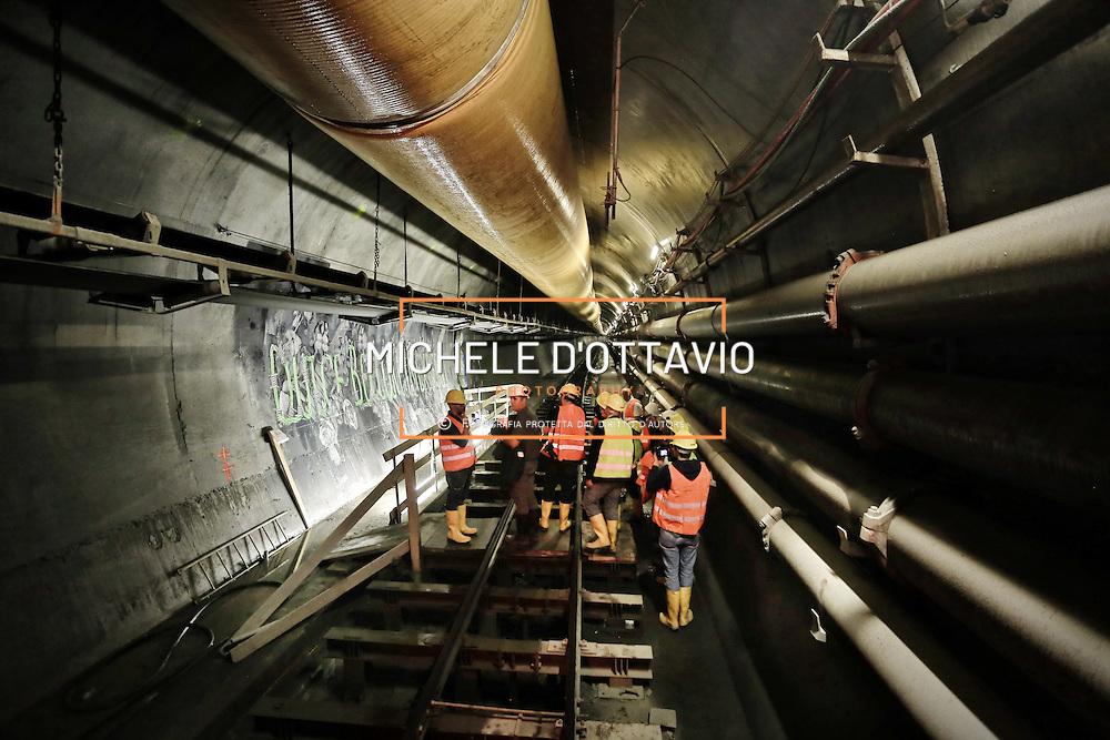 """CHIOMONTE (TORINO) -10 ottobre 2016 - inaugurazione di """"Tunnel Art Work"""", primo progetto internazionale di arte nella galleria geognostica in cantiere della linea ferroviaria Tav Torino Lione."""