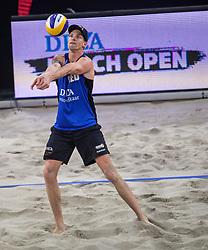 06-01-2018 NED: DELA Beach Open day 4, Den Haag<br /> Alexander Brouwer #1 en Robert Meeuwsen #2 hebben zich ook geplaatst voor de achtste finale van het DELA Beach Open. De BTN-mannen wonnen met 2-0 (21-19 en 21-14) van de Oostenrijkers Seidl en Dressler.