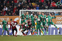 16.02.2014, SGL Arena, Augsburg, GER, 1. FBL, FC Augsburg vs 1. FC Nuernberg, 21. Runde, im Bild l-r: Mauer beim Freistoss Halil ALTINTOP #7 (FC Augsburg), Arkadiusz MILIK #9 (FC Augsburg), Kevin VOGT #6 (FC Augsburg), Jan-Ingwer CALLSEN-BRACKER #18 (FC Augsburg), Paul VERHAEGH #2 (FC Augsburg) // during the German Bundesliga 21th round match between FC Augsburg and 1. FC Nuernberg at the SGL Arena in Augsburg, Germany on 2014/02/16. EXPA Pictures © 2014, PhotoCredit: EXPA/ Eibner-Pressefoto/ Kolbert<br /> <br /> *****ATTENTION - OUT of GER*****