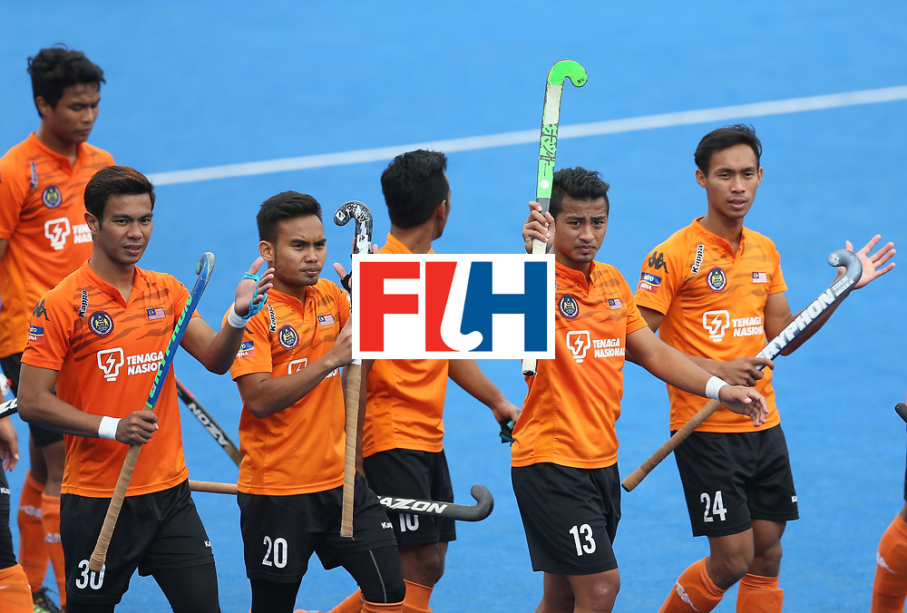 LONDON, ENGLAND - JUNE 25: Malaysia players applaud fans after the 3rd/4th place match between Malaysia and England on day nine of the Hero Hockey World League Semi-Final at Lee Valley Hockey and Tennis Centre on June 25, 2017 in London, England. (Photo by Steve Bardens/Getty Images)