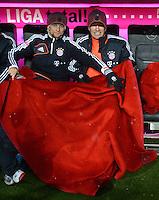 FUSSBALL   1. BUNDESLIGA  SAISON 2012/2013   9. Spieltag FC Bayern Muenchen - Bayer 04 Leverkusen    28.10.2012 Anatoliy Tymoshchuk , Anatoli Timoschtschuk und Arjen Robben (v. li., FC Bayern Muenchen) auf der Ersatzbank
