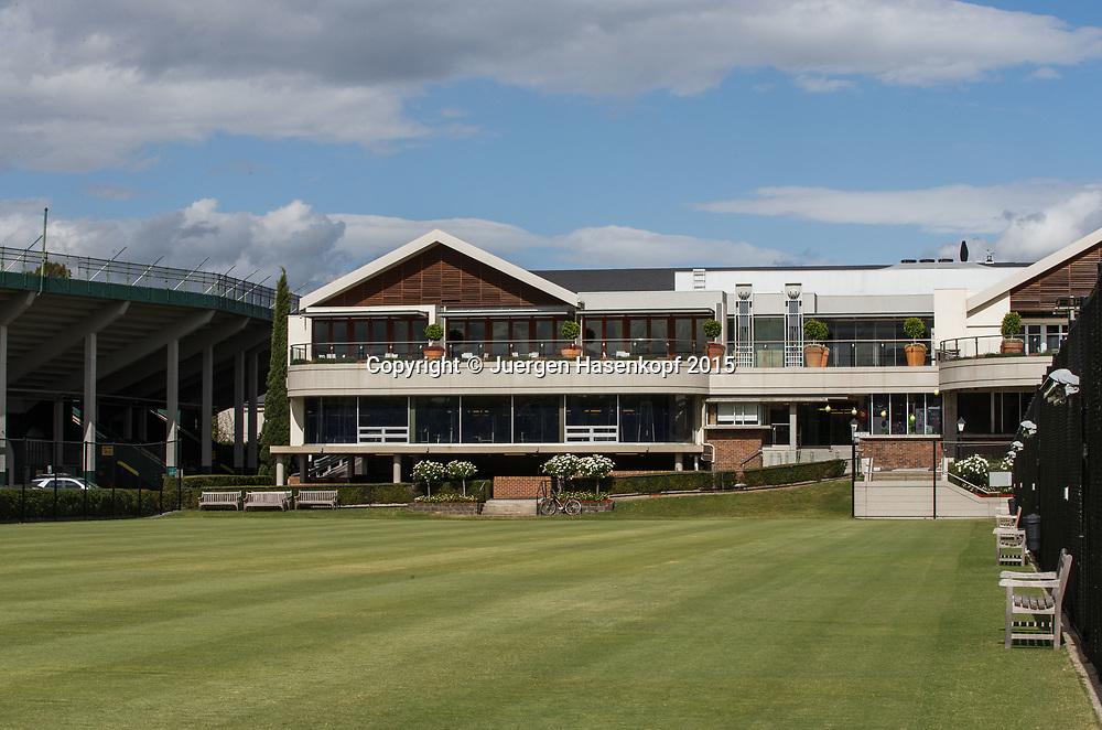 Kooyong Lawn Tennis Club existiert seit 1892 in Kooyong<br /> Klubhaus und links das alte Stadion,