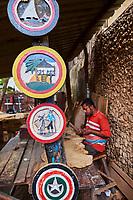 Kenya, archipel de Lamu, ville de Lamu patrimoine mondial de l'Unesco, artisan sur bois // Kenya, Lamu island, Lamu town, Unesco world heritage, wood craft